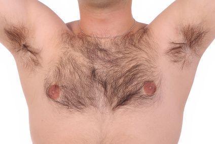 胸毛腹毛が濃い原因は遺伝ってマ...